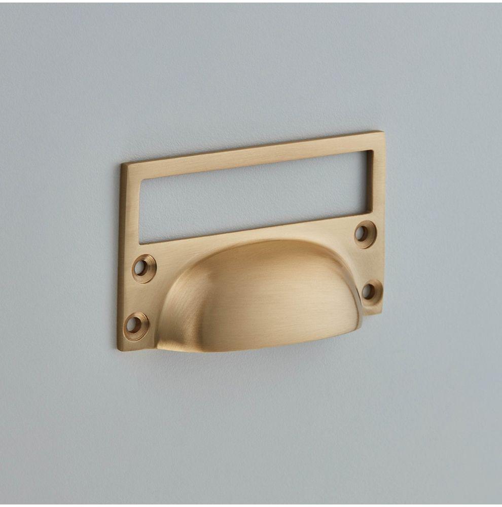Porte étiquette avec poignée en laiton